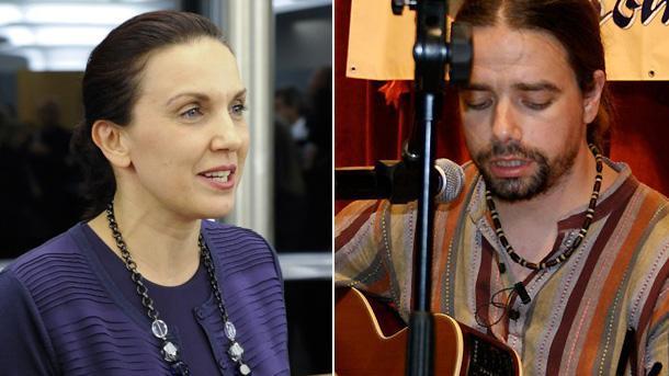 Евродепутатът Антония Първанова и поетът с китара Виктор Макаров.