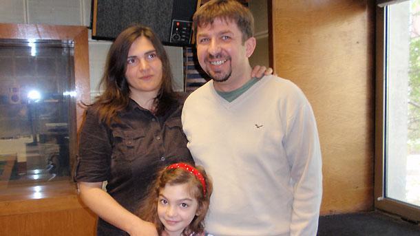\r\nСъпрузите Зорница Христова и Марин Бодаков,и дъщеря им Ана Бодакова в студиото на предаването.