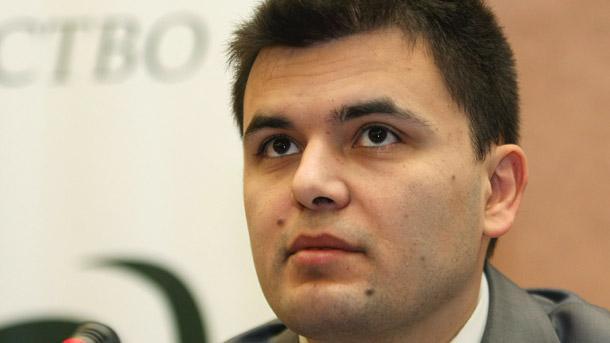 Luchezar Bogdanov of Industry Watch
