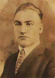 Подобно на много българи в началото на 20-и век Кальо Ненов заминава за Америка в търсене на щастието и лесни пари