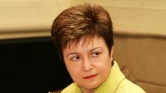EU-Kommissarin Kristalina Georgiewa betonte, dass für die Bekämpfung des Klimawandels und die Anpassung an seine Folgen eine Änderung der gesamten Politik des Staates erforderlich ist.