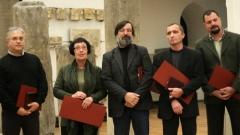 Οι βραβευμένοι αρχαιολόγοι (από δεξιά): Γκεόργκι Νεχρίζοφ, Παβλίβνα Βλάντκοβα, Τότκο Στογιάνοφ, Κρασιμίρ Νίνοφ και Χρήστο Ποπόφ