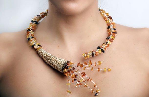 Τα περίτεχνα κοσμήματα της Στανισλάβα Τσάλοβα κατέκτησαν το Παρίσι ... e9796390fa4