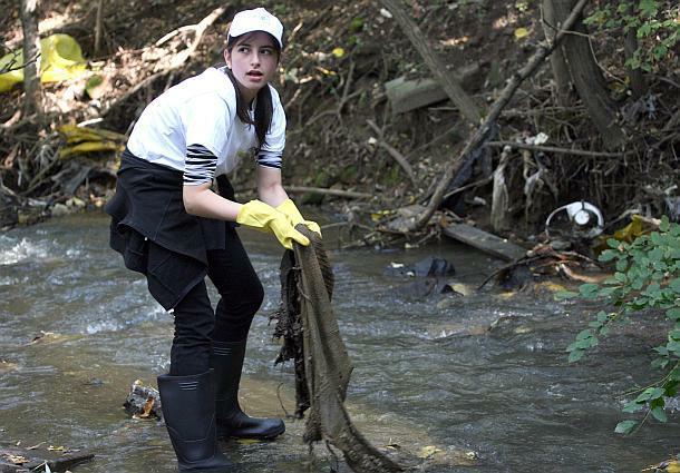 Des volontaires nettoient parfois les rivières de Sofia