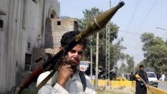 САЩ спират военни помощи за Пакистан заради неефективна борба с екстремизма.