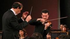 Емил Табаков и Светлин Русев на сцената в Русе
