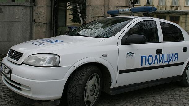 Шофьор без книжка блъсна патрулка в Кърджали