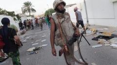 Четвърти ден силите на маршал Халифа Хафтар атакуват подстъпите към либийската столица