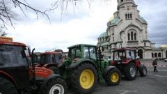 Зърнопроизводителите са готови да докарат тежките машини в столицата, ако не бъдат изключени от обхвата на закона за горивата.
