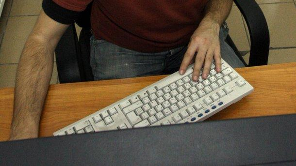 компютър интернет клавиатура\r\nЗащо блогърите стават все по-влиятелни в обществото
