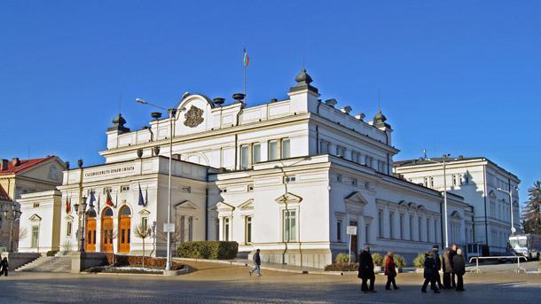 НС подкрепи с условия започване на преговори за еврочленство на Скопие и Тирана