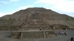 пирамидите в Мексико