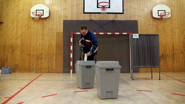 В Чехия започва вторият ден на парламентарните избори, като очакванията