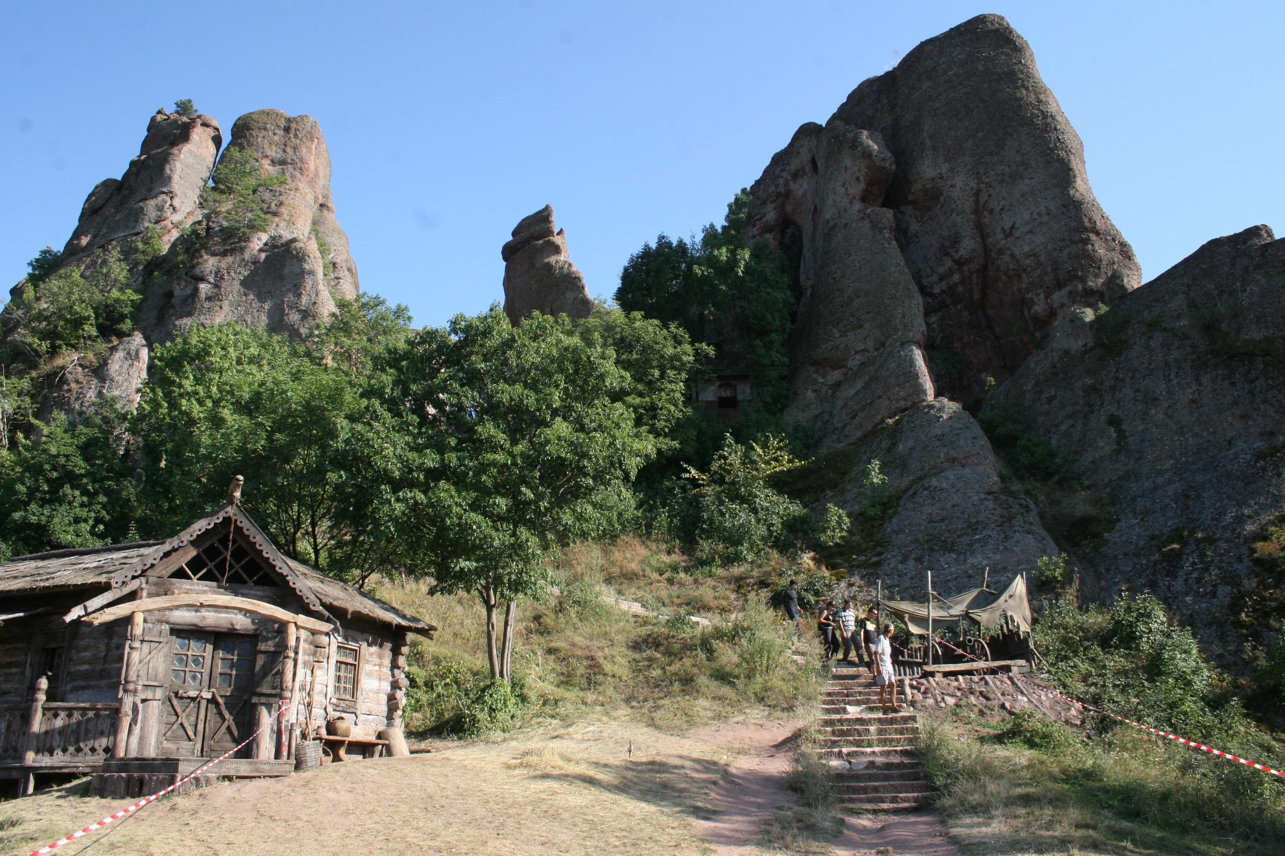 Министерството на културата проверява има ли вандализъм на Белоградчишките скали