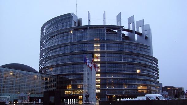 Евродепутатите одобриха край на смяната на часовото време