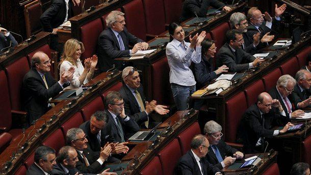 Двете камари на италианския парламент решават кога да е вотът на недоверие към премиера Конте