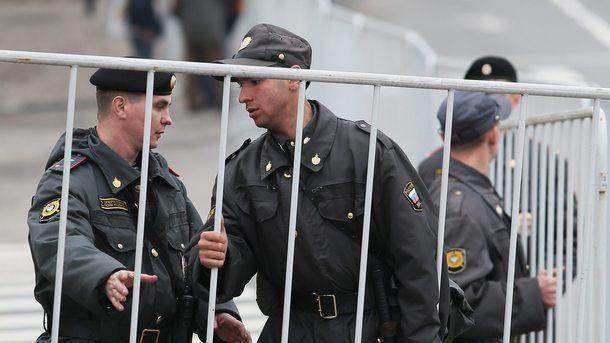 Руската полиция арестува около 25 защитници на правата на хората