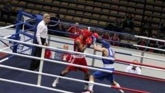 Радослав Панталеев (в червено) ще боксира във вечерната сесия.