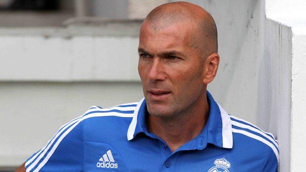 Кристиано Роналдо заслужава много повече уважение, заяви старши треньорът на