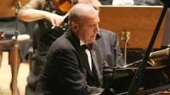 Пианистът Иво Погорелич се връща на българска сцена след 37-годишно отсъствие.