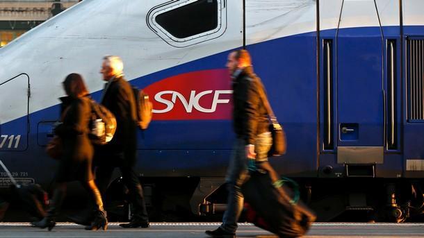 Продължава да бъде нарушен железопътният транспорт на парижката гара Монпарнас
