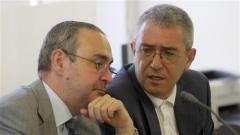 Главният прокурор Борис Велчев и председателят на ВКС Лазар Груев преди началото наредовното заседание на Висшия съдебен съвет.