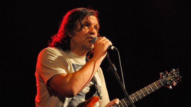 Прочутият режисьор Емир Кустурица обича да заменя камерата с китара и микрофон