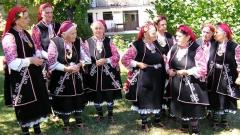 """Групата на """"Бистришките баби"""" е първият световен шедьовър на наметариалното културно наследство към ЮНЕСКО"""
