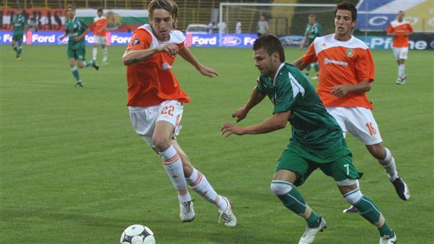 Пламен Николов (вляво) ще играе за руския