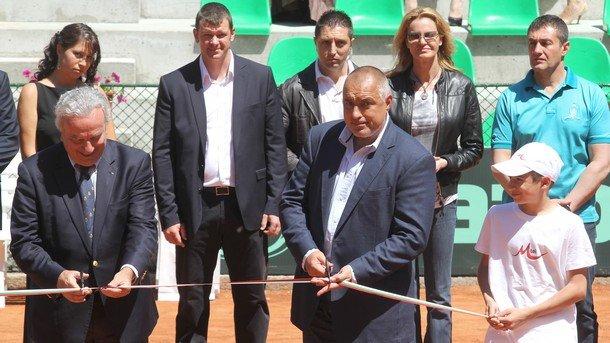 Бойко Борисов преряза лентата и на обновения Национален тенис център в присъствието на много гости и тенисисти