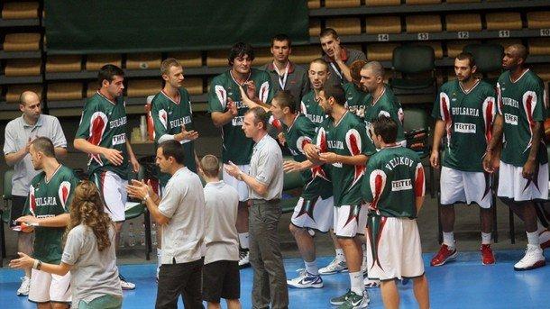 Баскетболистите от националния ни тим записаха срамна загуба от Азербайджан (73:88) в европейска квалификация в Баку
