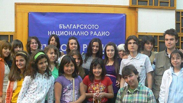 """Победителите в Националния радиоконкурс за детско литературно творчество """"Искри"""", 2009 г."""