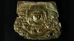 Наймлап, златна плака, IMU 1000-1450 г. сл. Хр.