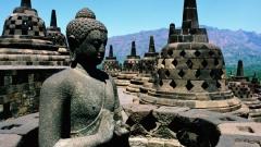 Боробудур - най-големият будистки храм на остров Ява.