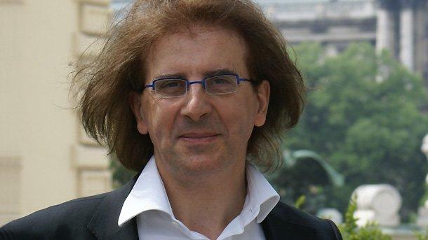 На снимката: Директорът на Френския културен институт Дидие Талпен.