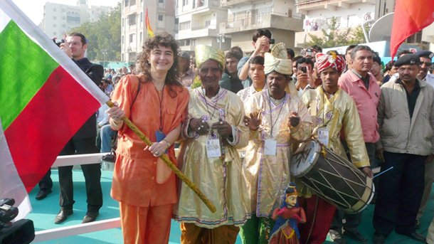 Магдалена Гигова на Парада на хвърчилата в индийския щат Гуджарат.
