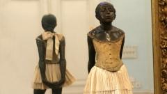 """""""Малка балерина на четиринадесет години"""" - една от най-известните скулптури на Едгар Дега."""
