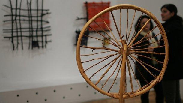 """Изложбата """"Поезия наоколо"""" на Кирил Прашков в Софийската градска художествена галерия."""
