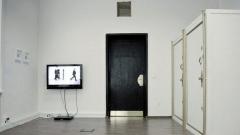 """""""Рисков капитал"""", инсталация на Бора Петкова (видео с оригинално аудио; два оригинални сейфа; два чифта оригинални ключове; две рамки)"""