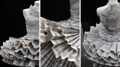 Курсова работа на Джолис Паонс (роклите са изработени от телефонен указател).