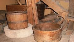 Крина и шиник (Регионален етнографски музей, Пловдив – постоянна експозиция).