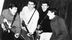 """На снимката: (отляво надясно) Петър Гюзелев, Веселин Кисьов, Кирил Маричков и Петър Цанков.В """"Изпята поезия"""" намира място и песента """"Двете битничета"""", продукция на БНР от 1968 година в изпълнение на """"Щурците"""", което не присъства в нито един албум, грамофонна плоча или компактдиск на групата."""