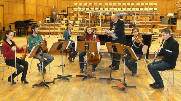 Да бягаме ли? - отговор на въпроса дават студентите на проф. Венцеслав Николов от Националната музикална академия.