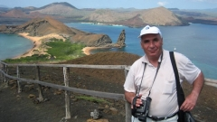 Симеон Идакиев на островите Галапагос.