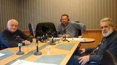 На снимката:Петко Симеонов, водещият Иво Христов и д-р Петър Берон (отляво надясно).