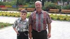 Венцеслав Александров и 10-годишния му син Йоан.