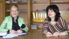 """Анелия Торошанова разговаря с инж. Йорданка Харалампиева, началник отдел """"Производствен"""" в """"Кюстендилска вода"""""""