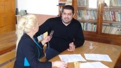 Анелия Торошанова разговаря с бившия лидер на ДПС в Силистрав библиотеката на затвора в Белене