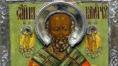 Свети Николай Мирликийски Чудотворец, или Свети Никола,е един от най-почитаните от българския народ светци, за извършваните от него чудеса са създадени множество предания и легенди.