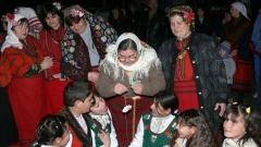Големият християнски празник Сирни заговезни се отбелязва с много радост, веселие и почитане на старите народни обичаи, като